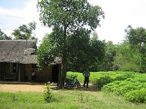 Photo: Thầy Sâm bên miếng đất sẽ cất nhà. Kế bên là nhà cha mẹ, nơi thầy đã trãi qua thời thơ ấu.