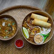 [L] Pad Thai Chicken
