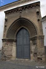 Photo: Portada Lateral de Ominum Sanctorum