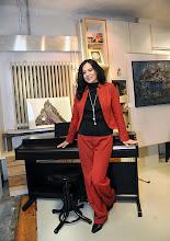 Photo: Eröffnung der Galerie Kunst-Werk - Werk-Kunst am 26.9.2013 in Wien-Meidling. Yuko Mitani sang beim Eröffnungsprogramm. Foto: Barbara Zeininger