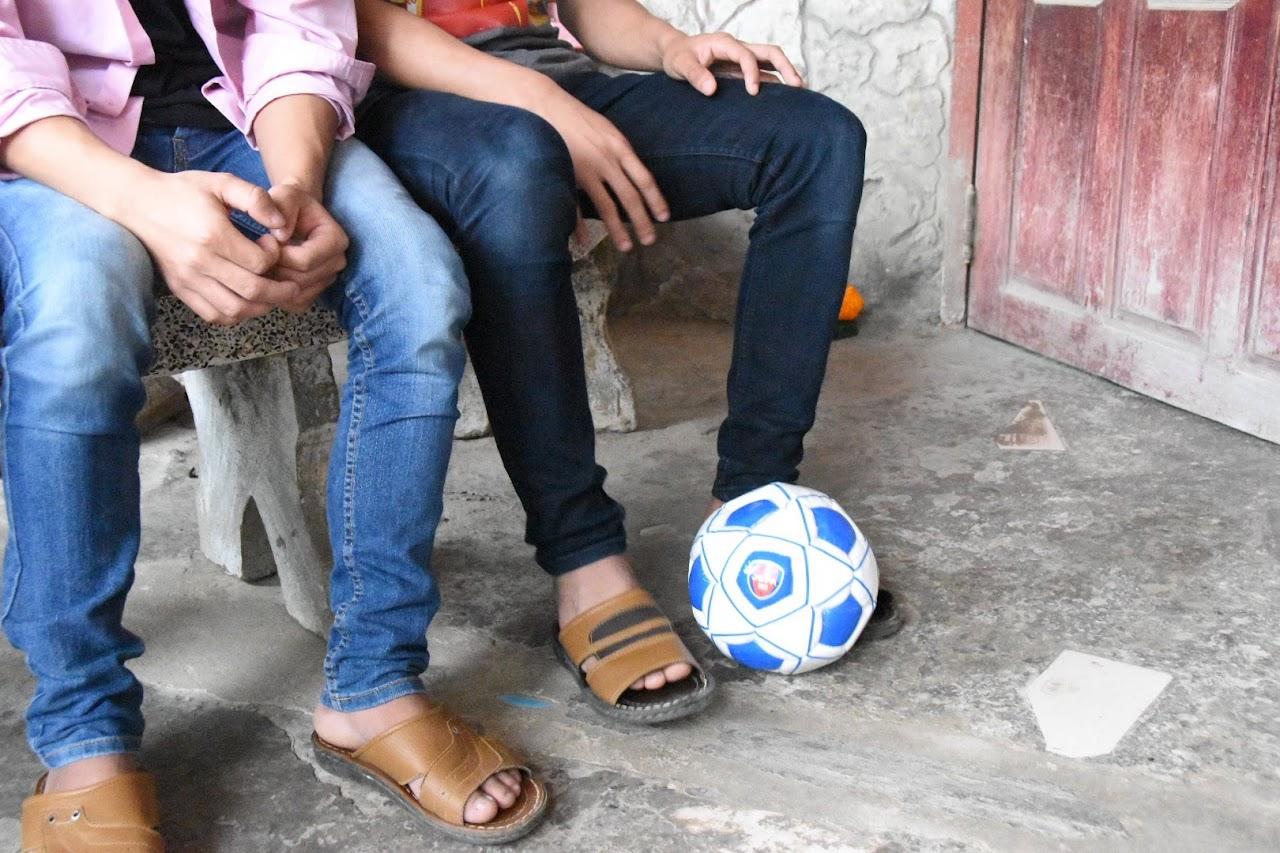 サッカーボールを寄付