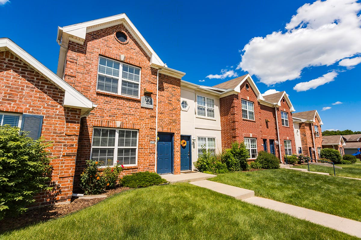 Maple grove villas apartments in west des moines iowa for Villas apartments