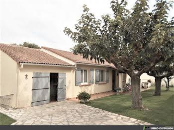 villa à Saint-Gilles (30)