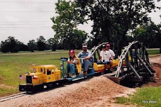 Photo: Mauri and Jim Cash   SWLS - HALS 2001-0526