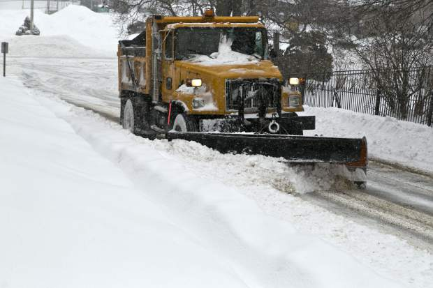 snow truck online story.cls