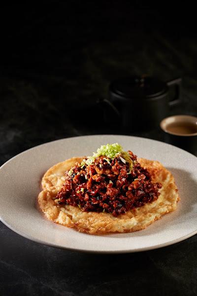 非常棒的中餐廳,菜色多樣、粵菜道地!XO醬肉鬆燒蛋丶脆皮先知鴨丶燒肉磚,必吃推薦!