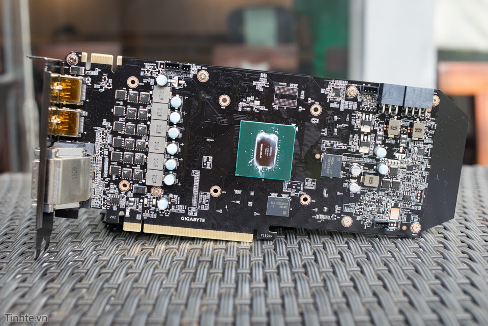 Gigabyte N960Xtreme 4GD