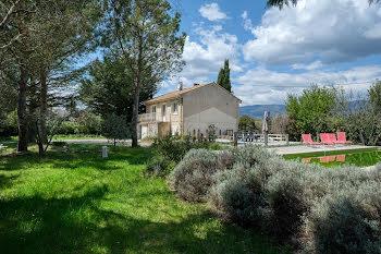 villa à Saint-Martin-de-la-Brasque (84)
