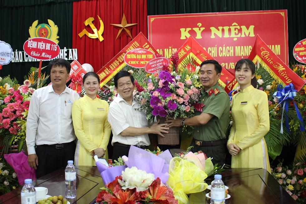 Khách sạn Lam Giang chúc mừng Báo Công an Nghệ An
