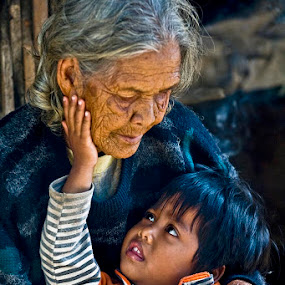 I Love Grandma by Goh Poh Leong - People Family