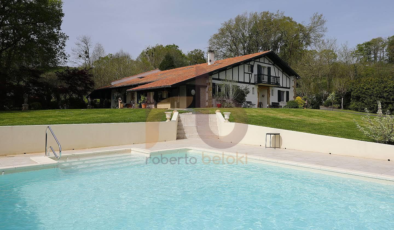 Maison avec piscine et jardin Sare