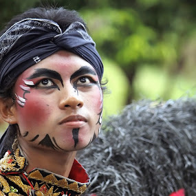 java dancer by Ribut Bagus - People Fashion