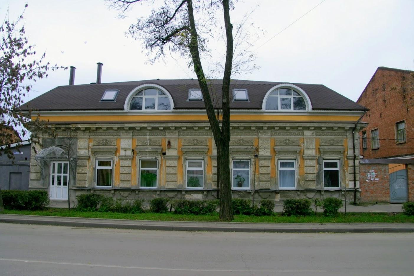 https://sites.google.com/site/istoriceskijtaganrog/cehova-ulica/dom-101