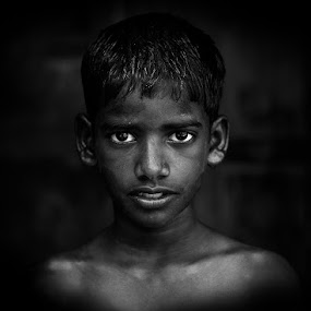 Look at me by Mohamed Rafi - Babies & Children Child Portraits ( rafimmedia photography, break, rafi, fresh, indian boy, power, india, kids, black, eyes )
