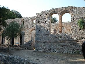 Photo: Basilique sur le site de Butrint