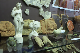 Photo: Roman artifacts from the excavation site in the archaeology museum, Villeneuve-sur-Lot.