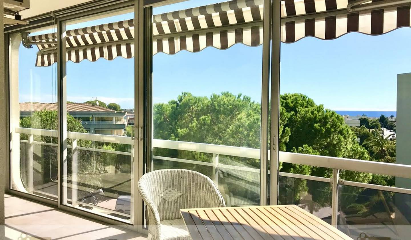 Apartment with terrace and pool Antibes