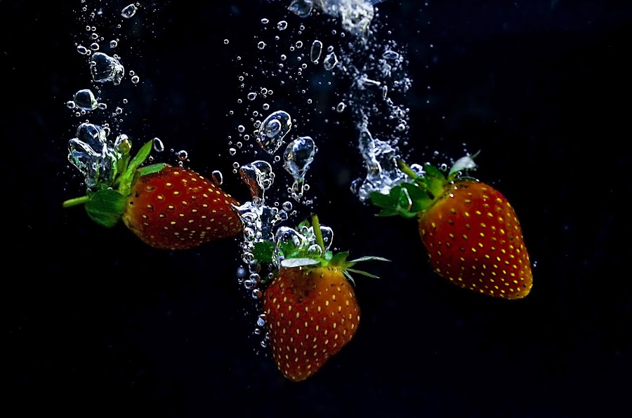 strawberry bulb by Hery Sulistianto - Food & Drink Fruits & Vegetables (  )