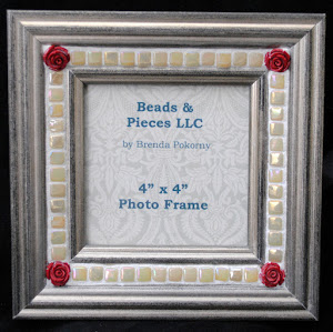 "MOF1433 4"" x 4"" Brushed Gold with Red Roses Mosaic Photo Frame"