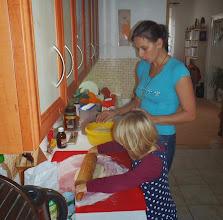 Photo: dělání koblížků - making donats