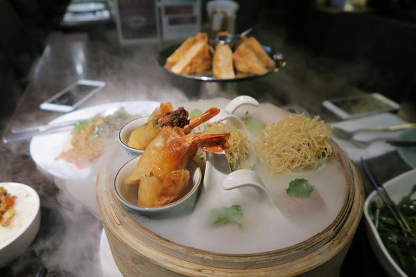 吃膩瓦城了嗎來香茅廚試試吧/精緻的泰式料理餐廳/台北新光A4/泰四味/月亮蝦餅