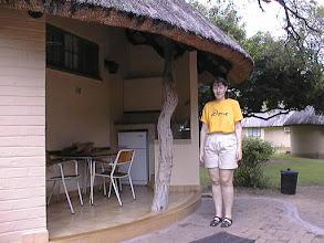 Photo: Krügerin majan edessä - safarilla mukavuuksilla