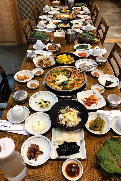Buffet spread of Korean food while on Study Abroad Program in Daegu S.Korea