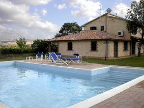 Photo: La piscina dell'agriturismo girasole terzuolo saturnia terme