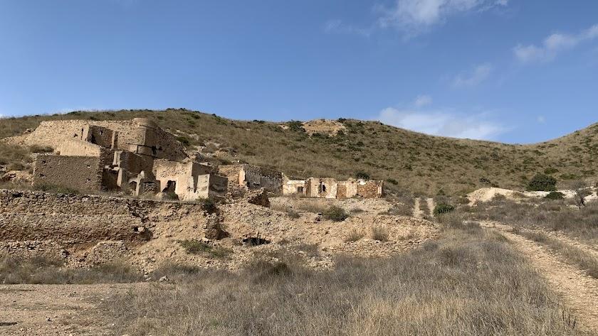 Tierra de volcanes y piratas con restos de una cultura minera