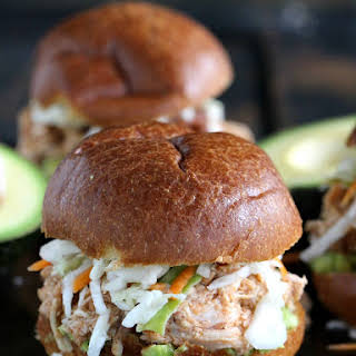No-Cook Spicy Chicken Sliders.