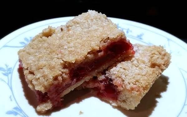 ~ Cherry Pie Crumb Bars ~ So Good! Recipe