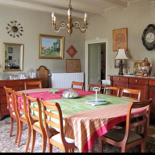 Salle à manger table d'hôtes Le Clos de la Garenne 17700 Puyravault Infiniment Charentes