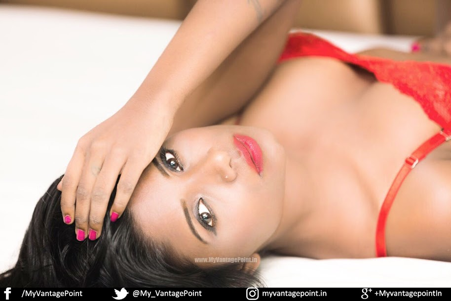 Resha Antony hot in red
