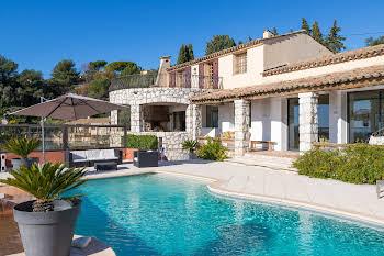 Villa 13 pièces 271 m2