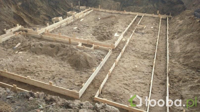 Szalunki drewniane do fundamentów