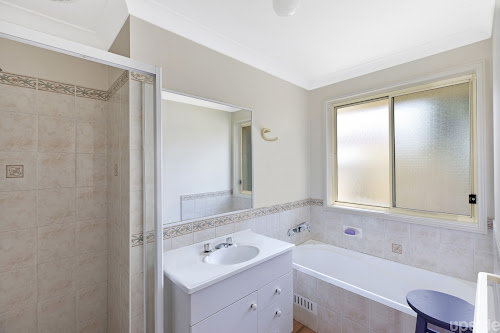 Photo of property at 1 Anchorage Circle, Summerland Point 2259