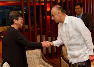 Photo: 22 August 2013 - Cocktails at the Dusit Thani Hotel in Makati.  Chairman Luis meets FINEX Past President Corazon dela Paz