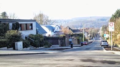 Photo: Das wäre geschafft! Ein Blick von der Stadtgartenallee aus die Christian-Rohlfs-Straße abwärts.