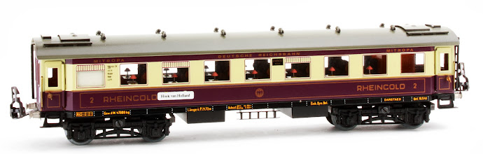 Photo: DR 'Rheingold' All 2nd Passenger Coach