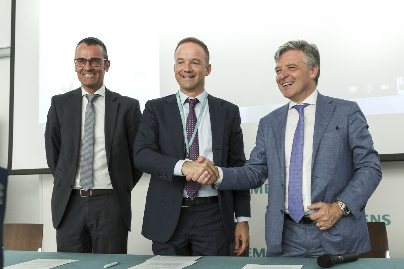 Firma accordo tra Confindustria e Siemens - photo credit Siemens