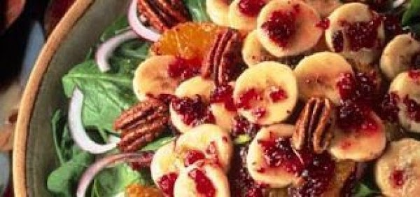 Spinach & Banana Breakfast Salad Recipe
