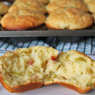 Bakery Style Rhubarb Muffins