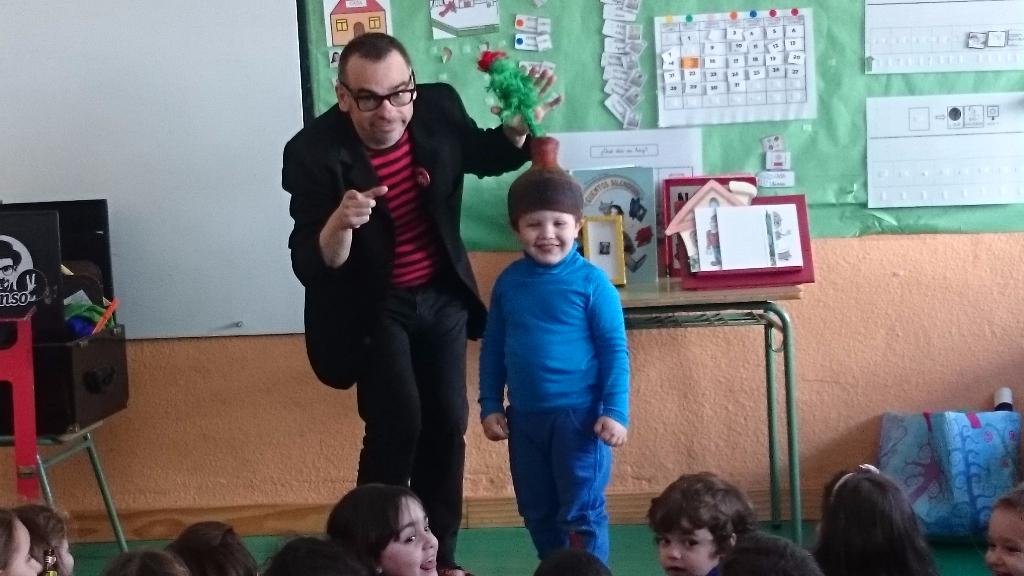 magia de risa para niños en colegio 2016