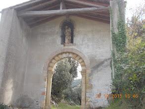 Photo: Porche d'entrée sur l'extérieur de la Chapelle