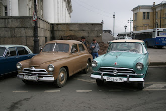 Photo: GAZ M20 and GAZ M21. What a difference in design!