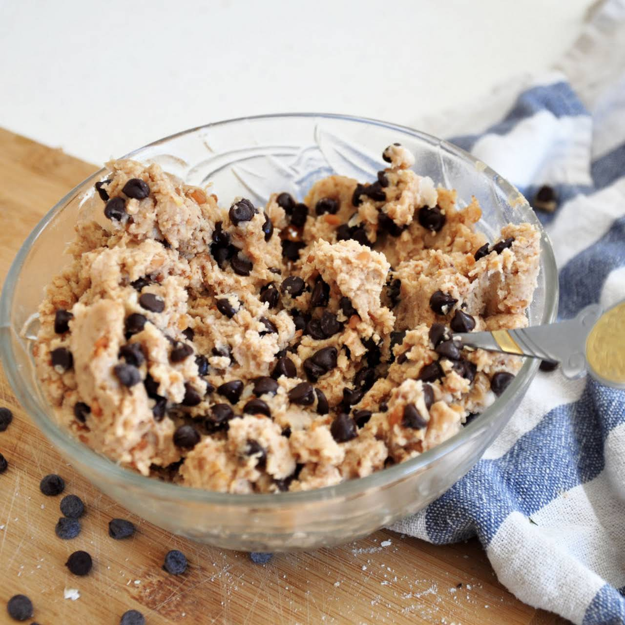 4-Ingredient Healthy Chocolate Chip Cookie Dough (Clean)