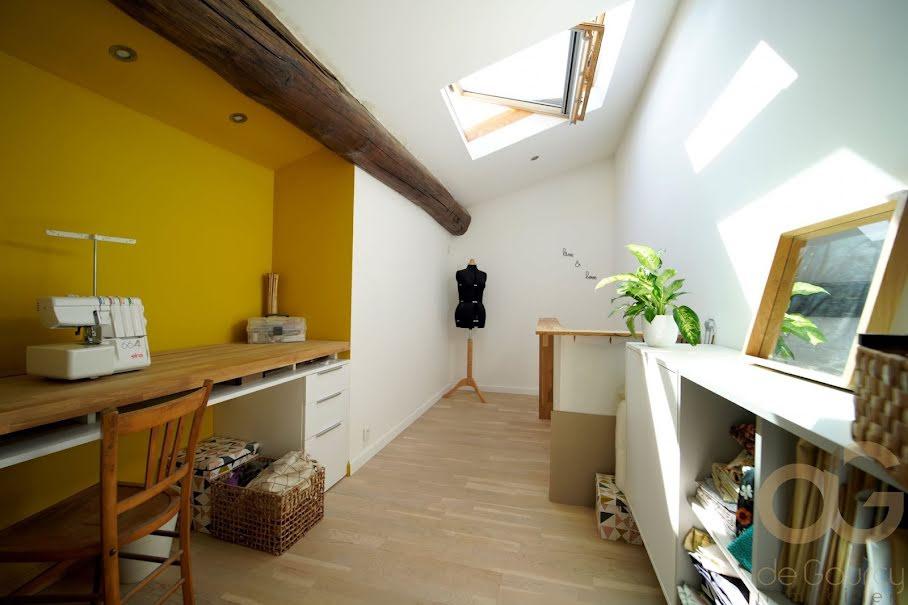Vente appartement 5 pièces 128 m² à Nimes (30000), 234 000 €