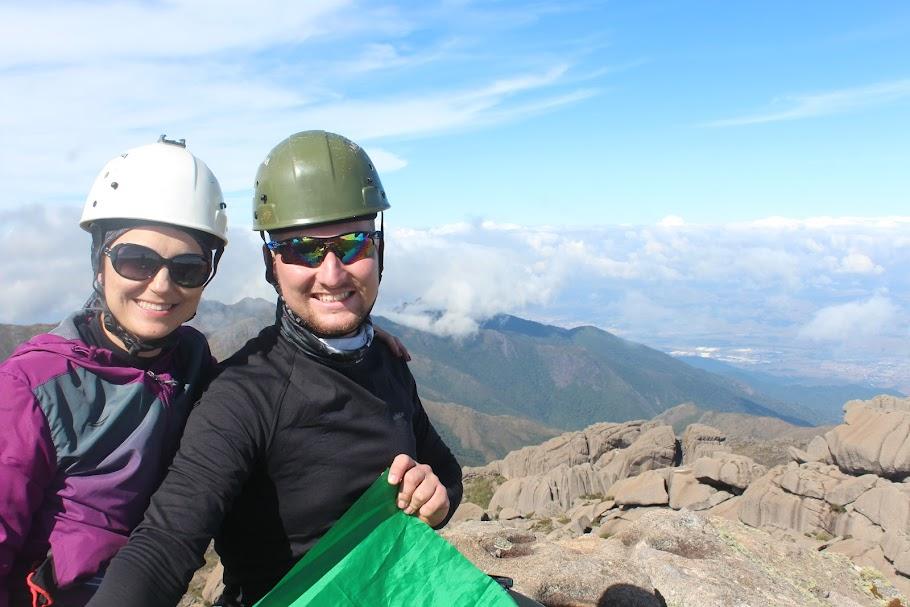 Pico das Agulhas Negras, 2790,94m, quinta Montanha mais alta do Brasil e ponto culminante do Rio de Janeiro. Parque Nacional do Itatiaia. Rio de Janeiro, Brasil. Halisson Tullio de Almeida e Angelita Skora.
