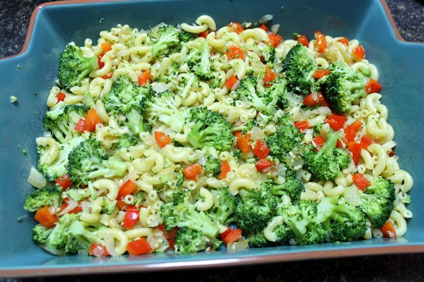 Place macaroni/broccoli mixture with vegetables in a buttered 3-quart casserole.