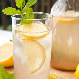 Cinnamon-Lemon Slim Down Drink.